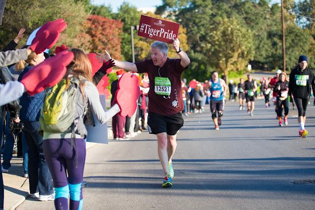 Dean Tuttle runs the Rock 'n Roll Marathon 2015