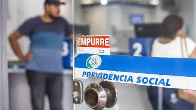 Aposentados e pensionistas do INSS terão o menor reajuste da era Real em 2018
