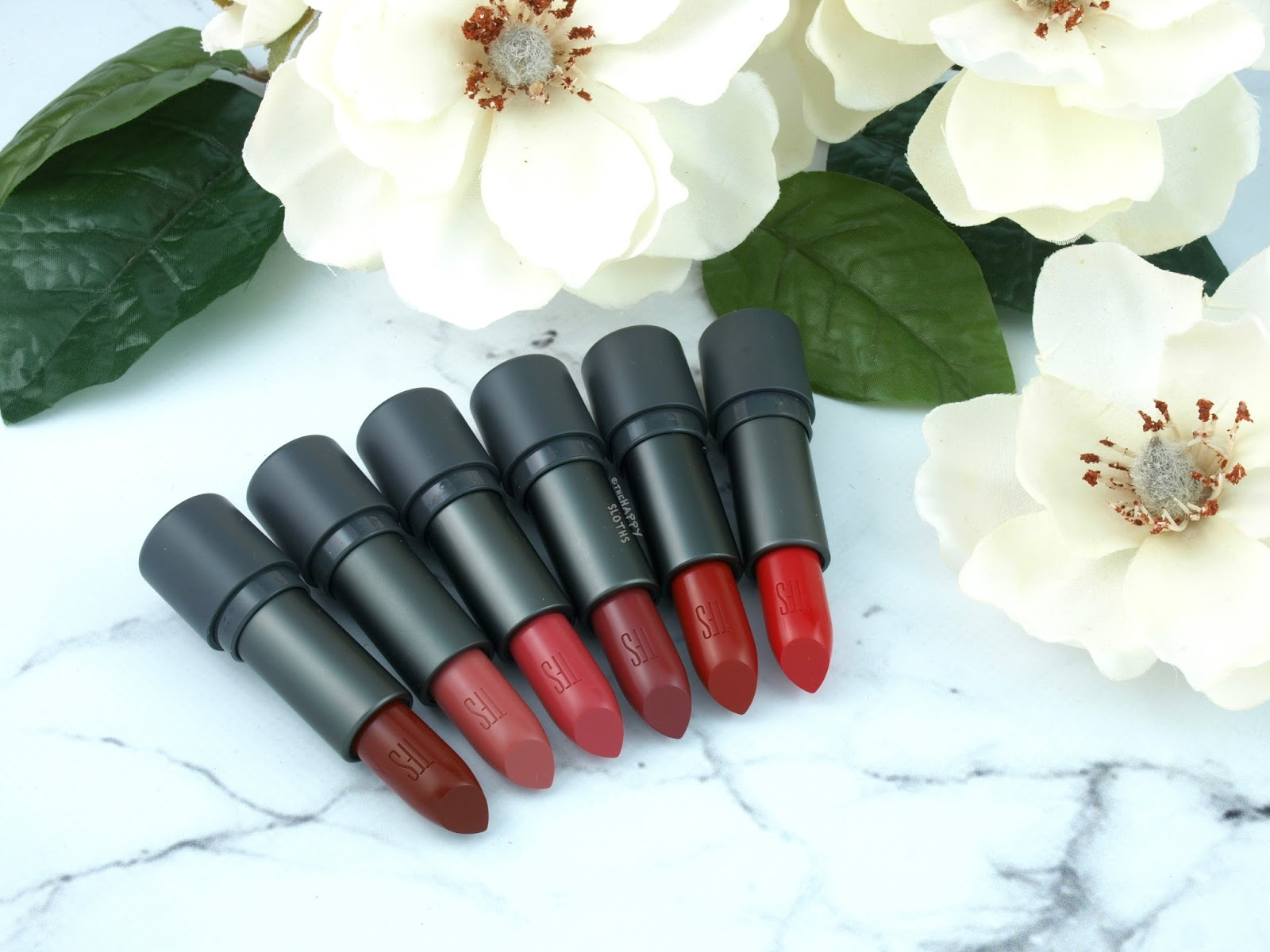 THEFACESHOP Moisture Touch Lipstick: Review and Swatches