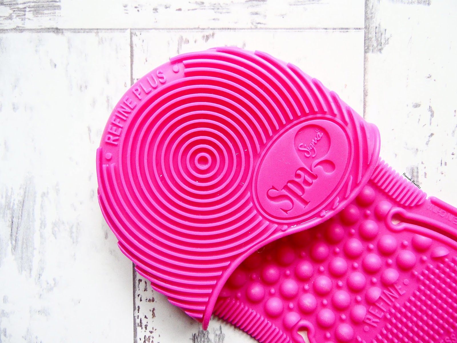 Sigma Spa Express Brush Cleaning Glove