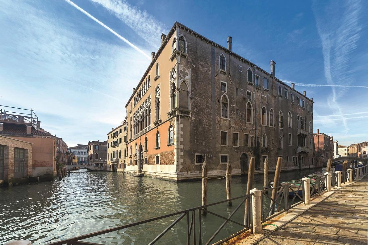 """In vendita a Venezia il palazzo che ospitò il dipinto """"La Tempesta"""" di Giorgione"""