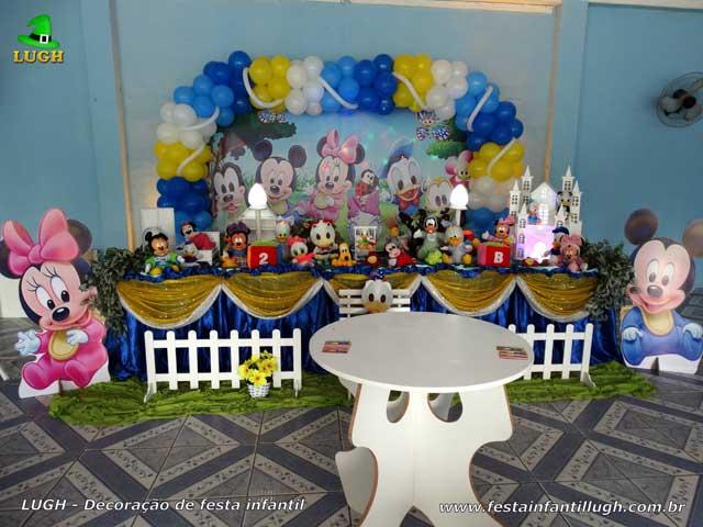 Decoração festa de aniversário infantil - Mesa tradicional de tecido(pano) masculina tema Disney Baby