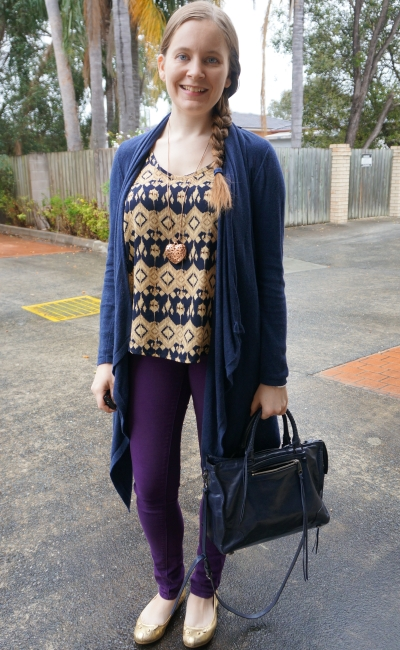 purple skinny jeans, gold and navy printed tank, waterfall cardigan wet spring day outfit | away from blue