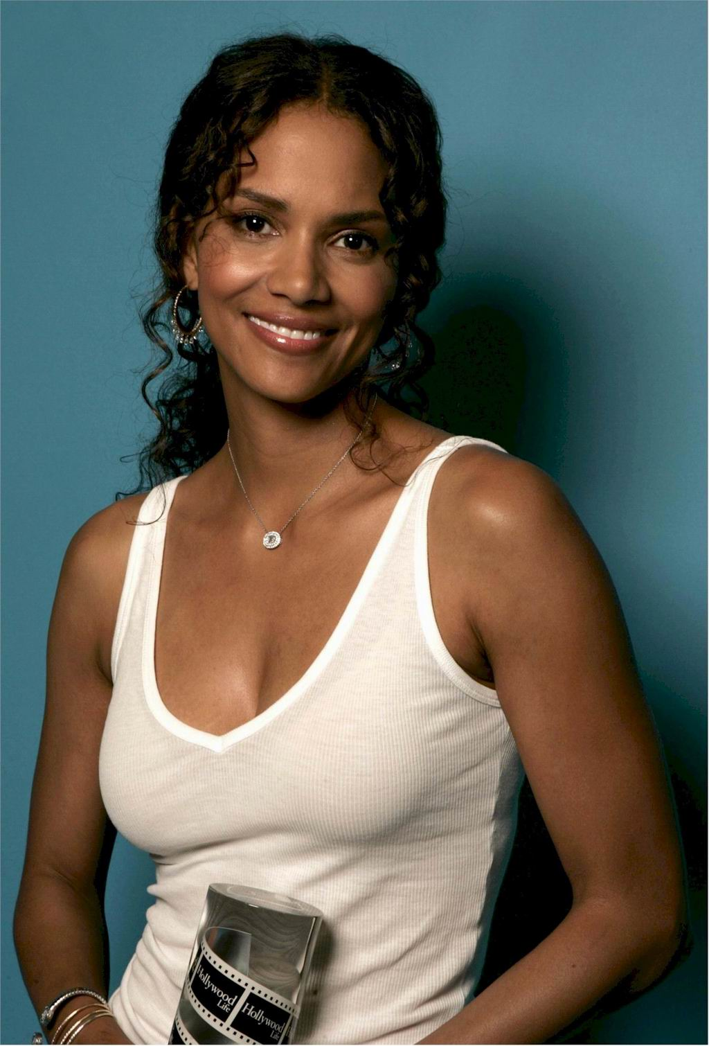 Halle Berry summary | Film Actresses холли берри
