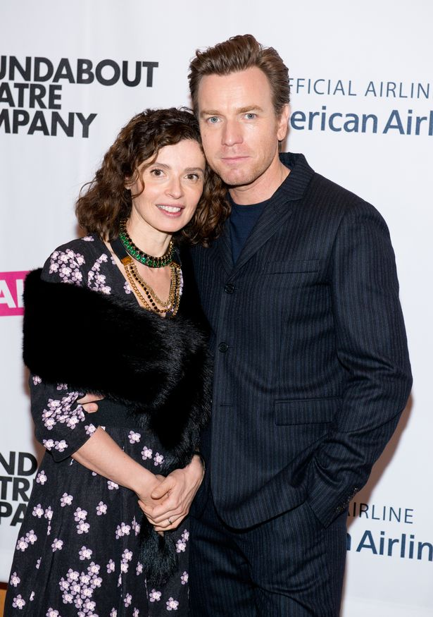 Ewan McGregor 's estranged wife hurt after he thanked her and mistress in Golden Globes speech