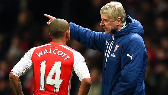 ini alasan mengapa Walcott jarang dimainkan dan wnger m minta dia bersabar di bangku cadangan