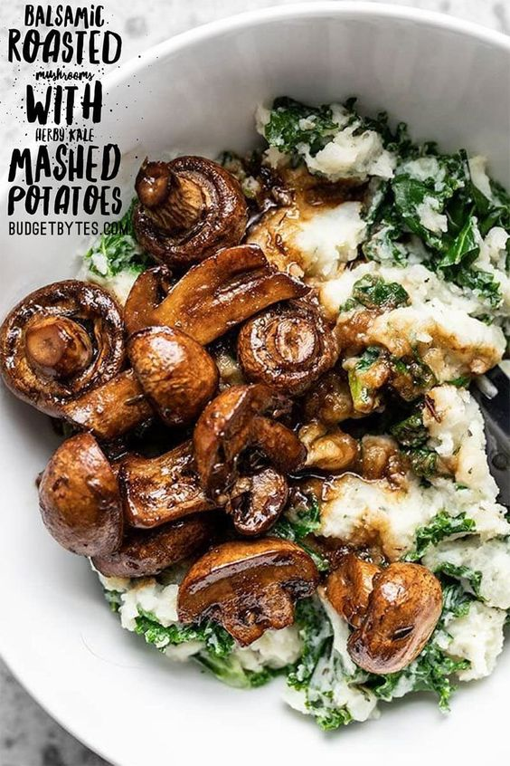BALSAMIC ROASTED MUSHROOMS WITH HERBY KALE MASHED POTATOES  #Balsamic #Roasted #Mushrooms #Herby #Vegetarian #Garlic #Kale #Mashed #Potatoes #Bestvegetarianfood #Dinner
