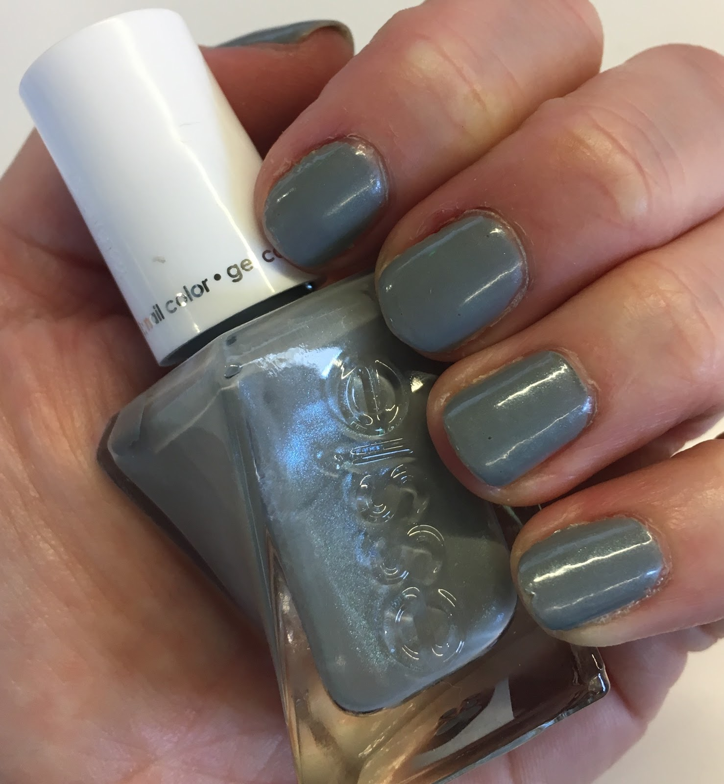 The Beauty Of Life: #ManiMonday: Essie Gel Couture Nail