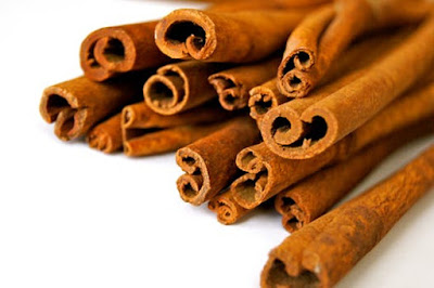 Cinnamon can be used to Make a Acne Mask at Home