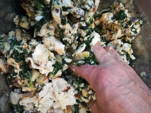 Semmelknödel selber machen mit Spinat
