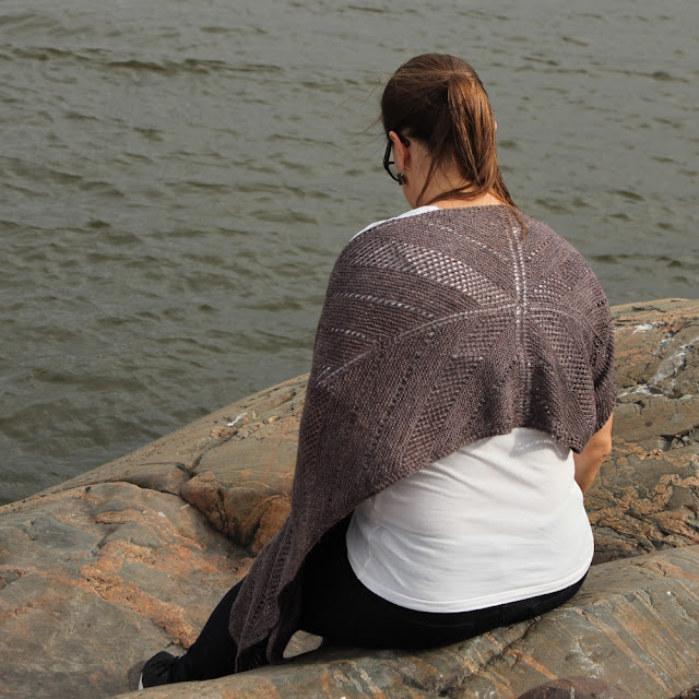 Kaiku Wrap knitting pattern designed by Katrine Birkenwasser using Lanitium ex Machina yarns