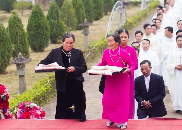 Lễ truyền chức Phó tế và Linh mục tại Giáo phận Lạng Sơn Cao Bằng 27.12.2017 - Ảnh minh hoạ 50