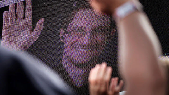 Snowden desmiente los rumores de su muerte con una célebre cita de Mark Twain