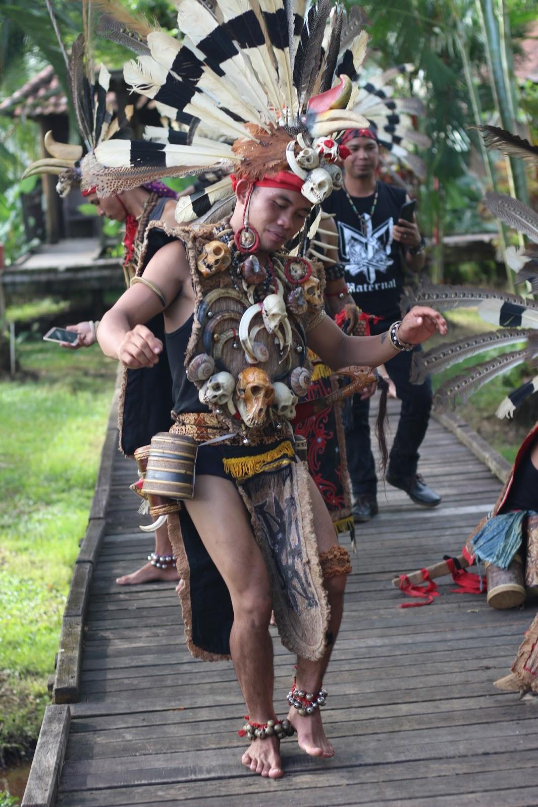 Gawai Sebagai Pemersatu Dayak Dan Indonesia Tukang Jalan Jajan
