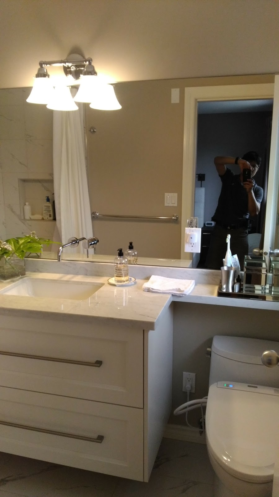 Renew bathroom crestlawn dr burnaby for Renew bathroom