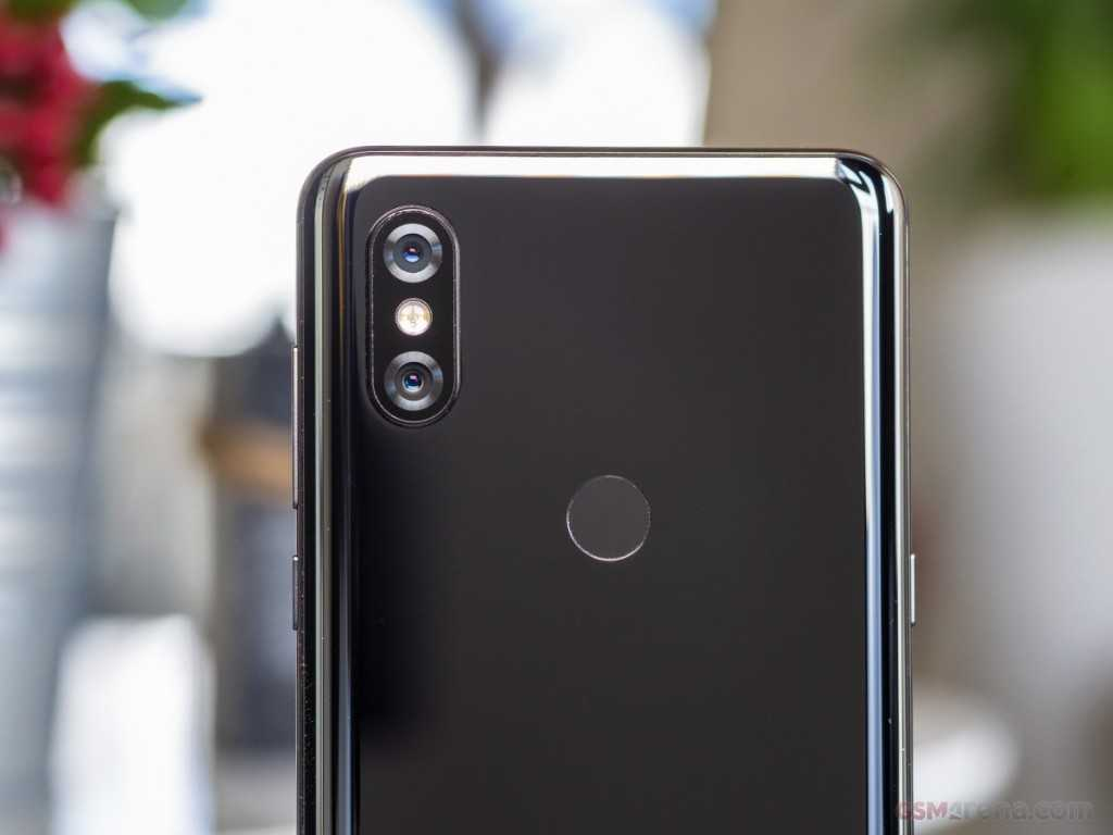 Xiaomi Mi Mix 3 dual rear facing cameras