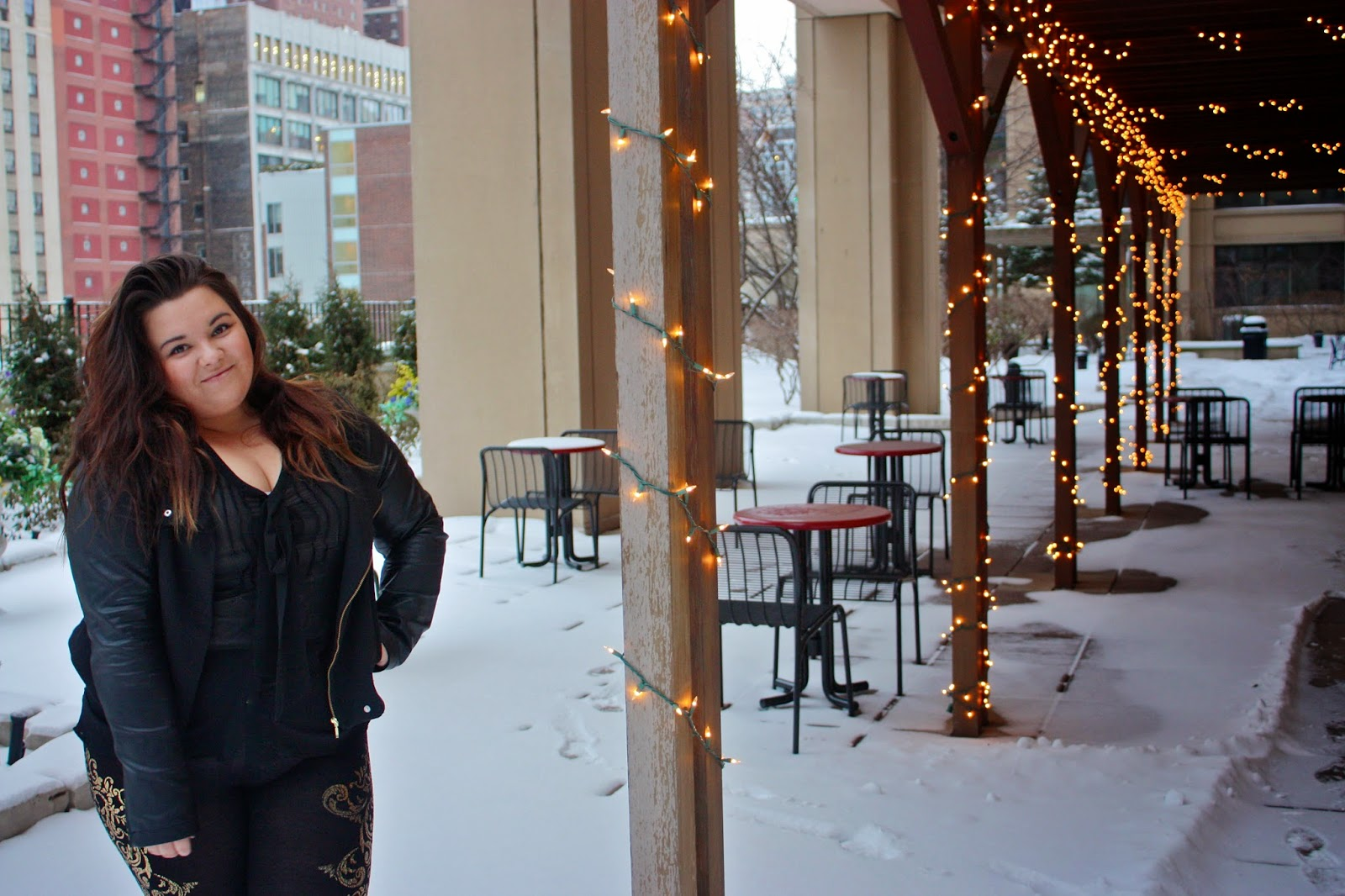 forever 21, forever 21 plus, plus size fashion, plus size fashion blogger, natalie craig, natalie in the city, chicago fashion, winter fashion, beyonce, beyonce gold, gold leggings, leather, contrast sleeves, bow tie blouse, chiffon, ombre, curly hair, thick girls, curvy girls, curvy fashion