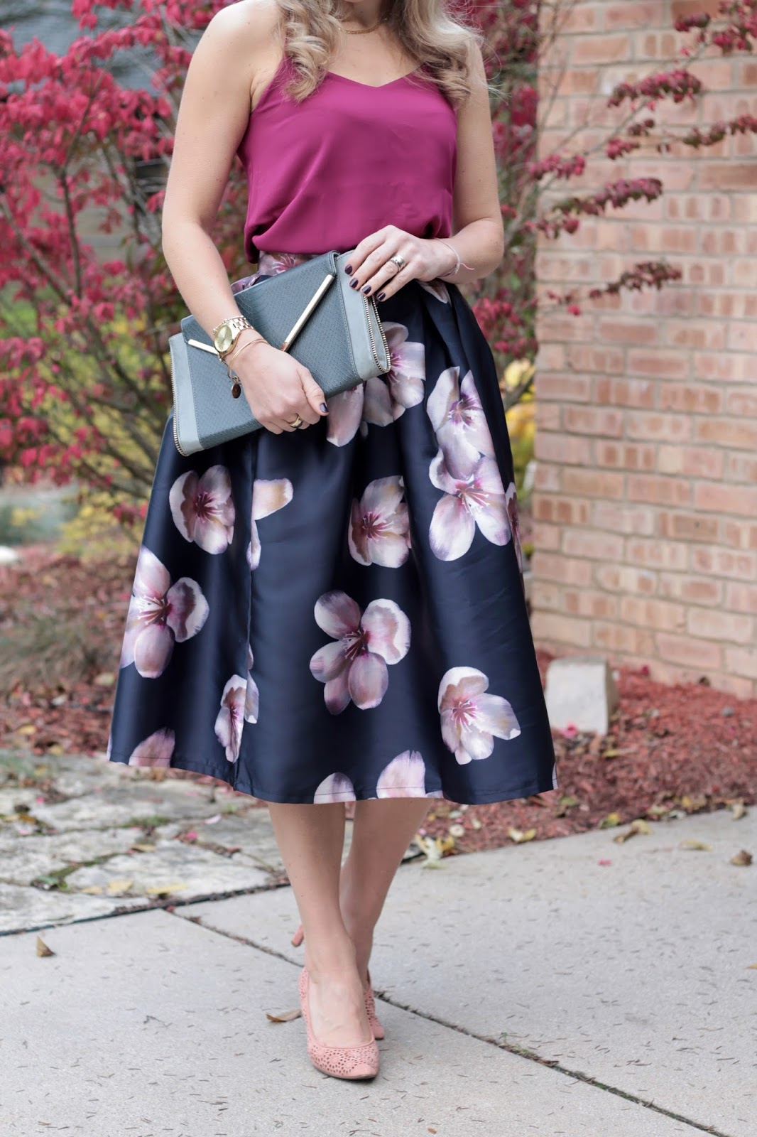 dark pink Barcelona cami, SheIn navy floral midi skirt, blush laser cut heels, grey envelope clutch, Upbra review,