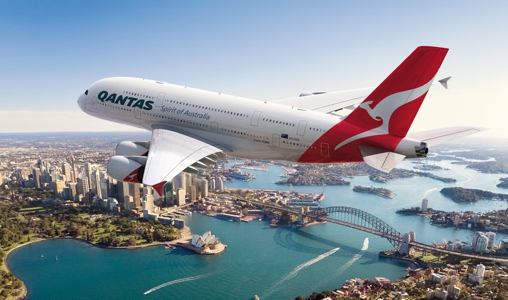 Volo Qantas Australia-Londra: Passeggero ubriaco semina il panico e provoca atterraggio d'emergenza.