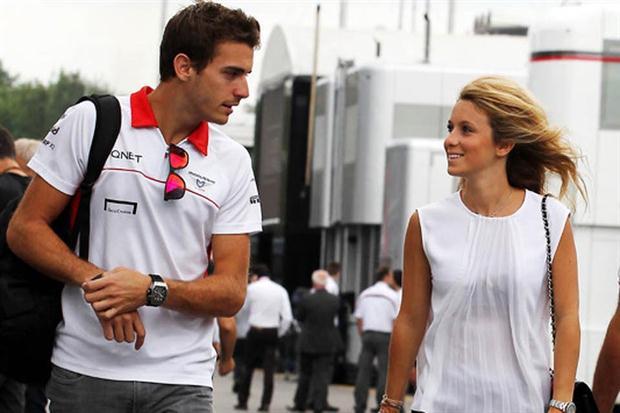Camille Marchetti novia de Jules Bianchi. Las esposas y novias de los pilotos de Formula Uno F1. Las parejas de los pilotos de la Formula Uno F1. Ex novias y ex esposas de los pilotos de Fórmula Uno F1. Ex esposas de los pilotos de Fórmula Uno F1. Ex parejas de los pilotos de Fórmula Uno F1.