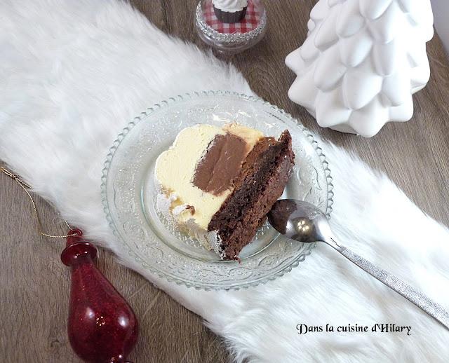 Bûche mascarpone, insert chocolat tonka, croustillant praliné et biscuit brownie