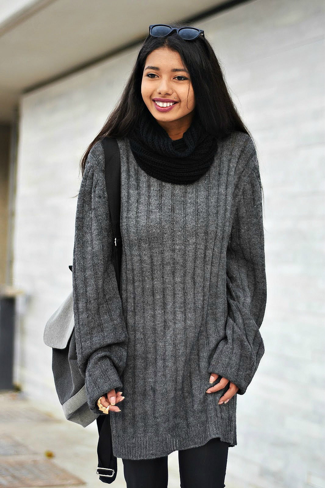 how to style oversized boyfriend sweater