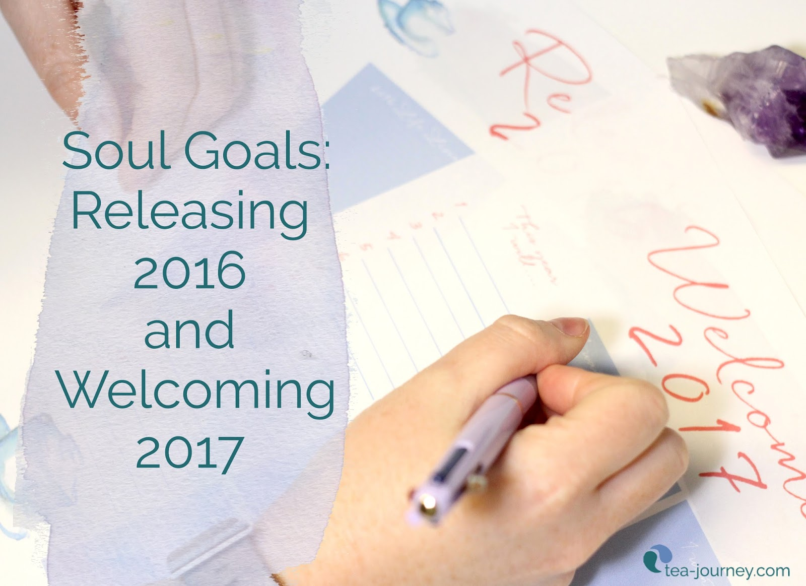 Got a few minutes before it hits midnight? Use these printable to let go of the previous year and welcome 2017 with a soulful plan to achieve your dreams.