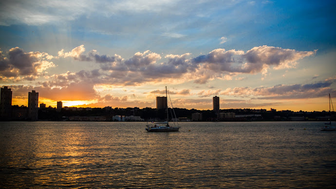 Wallpaper: NYC Sunset seen from Hudson River