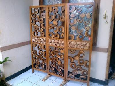 sekat unik dari kayu jati