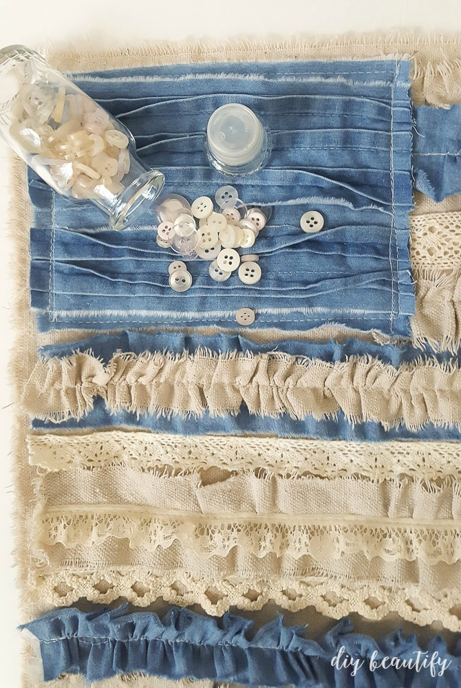Neutral lovers will adore this easy shabby-looking flag made from denim,lace and drop cloth! The full tutorial is available at diy beautify!