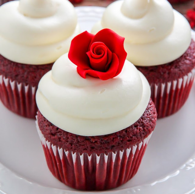 One Bowl Red Velvet Cupcakes #dessert #cupcakes