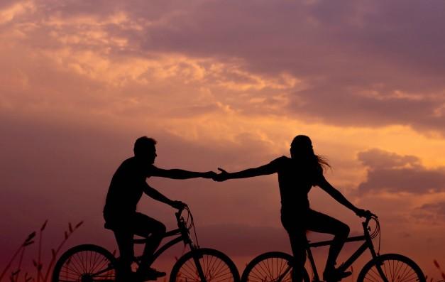 Σχέσεις εξάρτησης: Σε ποιους συμβαίνουν και γιατί;