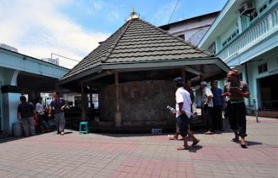Masjid Ampel dan Makam Sunan Ampel Wisata Religi Menarik di Surabaya
