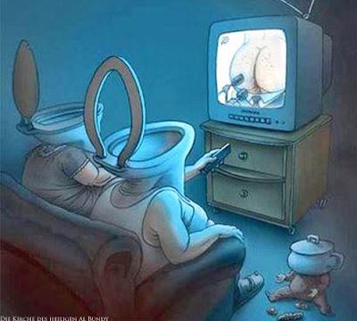 Ehepaar vor dem Fernseher - Es kommt nur Schrott lustig Comic