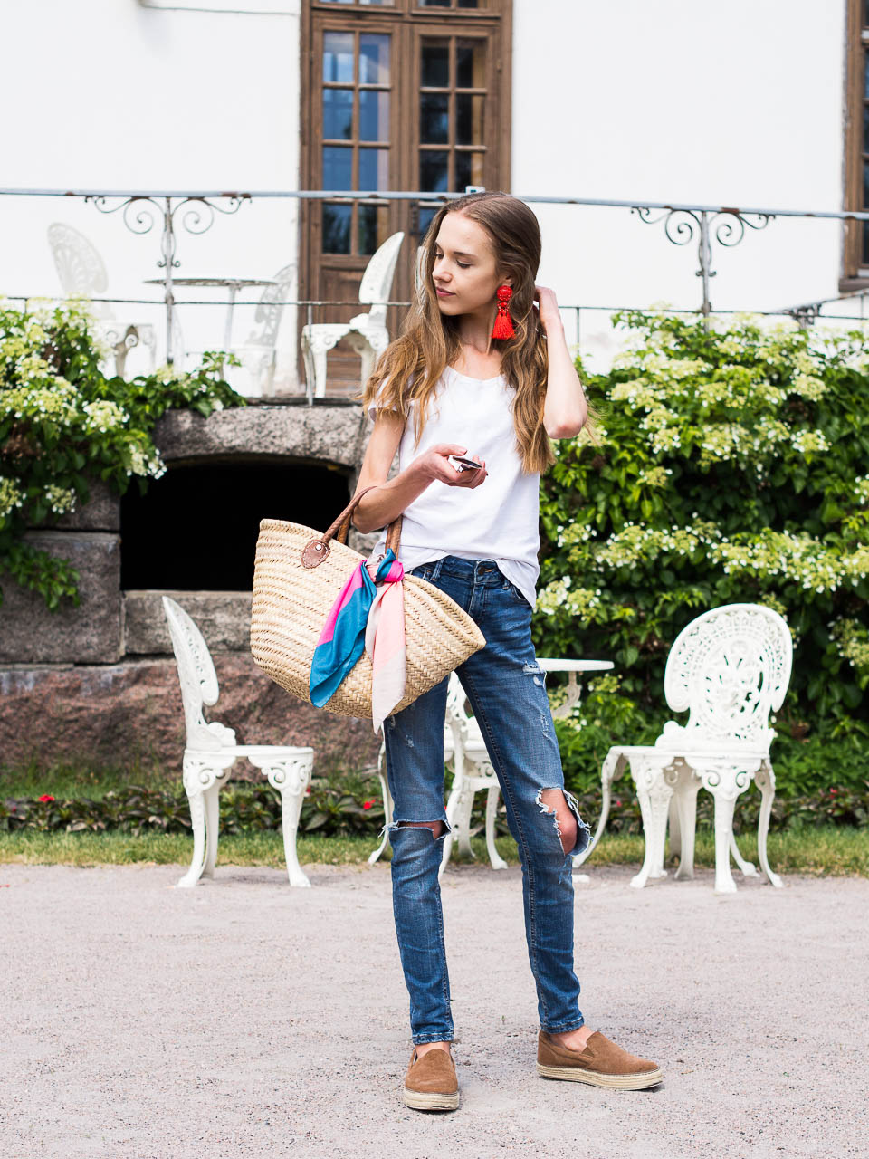 fashion-inspiration-summer-trends-basket-bag-distressed-denim