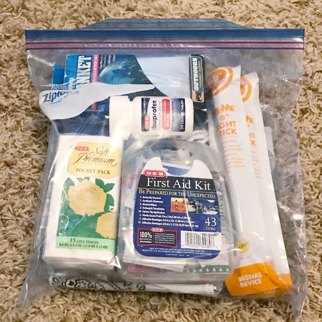 emergency car kits supply list