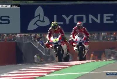 Iannone Menang di GP Austria, Rossi Gagal Naik Podium