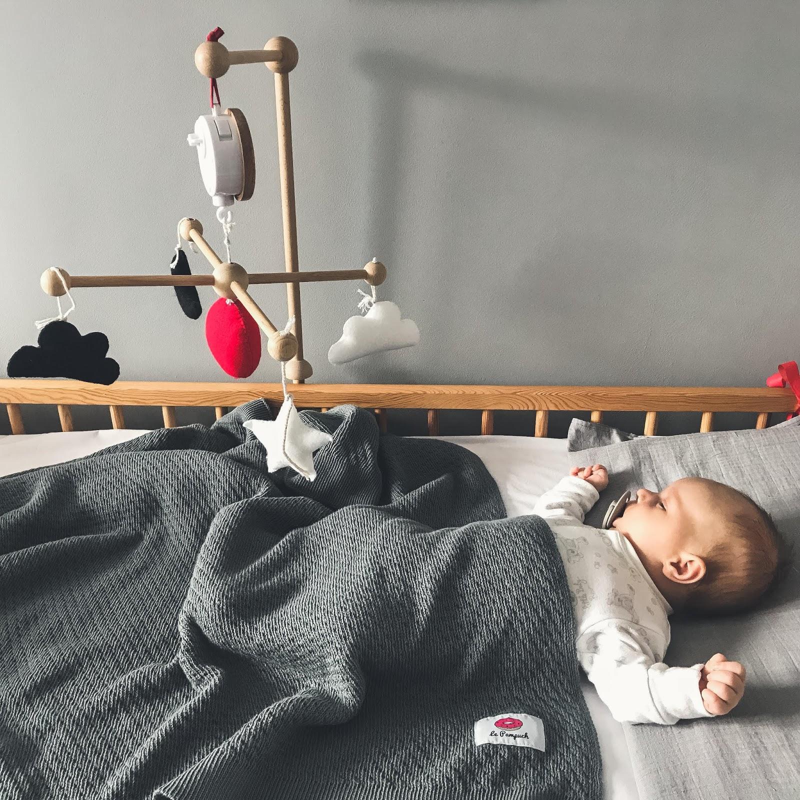 kontrasty wzork niemowlaka