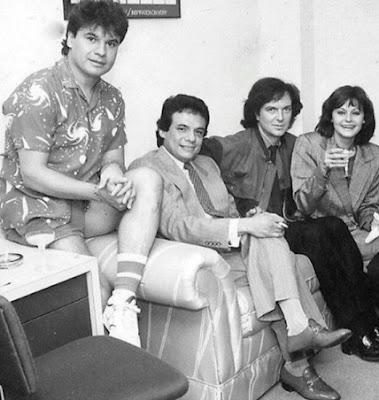 Foto de Juan Gabriel con otros cantantes