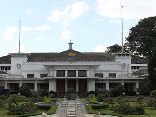 Gedung Balai Kota Bandung