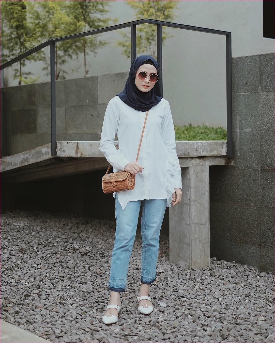 Outfit baju hijab casual untuk kuliah ala selebgram 2018