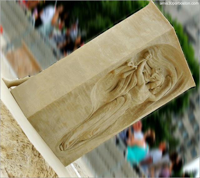 Esculturas de Arena de Revere Beach: In Justice We Trust de Andrius Petkus