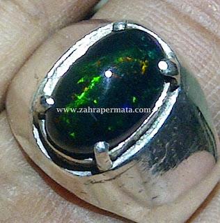 Cincin Batu Permata Black Opal