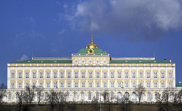 قصر الكرملين الكبير في العاصمة الروسيّة موسكو