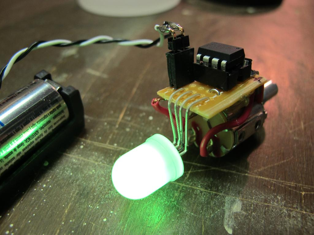 B2bens Blog The Color Jar Microcontroller Driven Fun For Kids Simple Circuit Using Attiny85 An Rgb Led And Some Original Design Was Built Around Attiny13 But It Ported Over Very Easily To Chip Which I Had On Hand