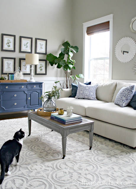 neutral sofa blue pillows