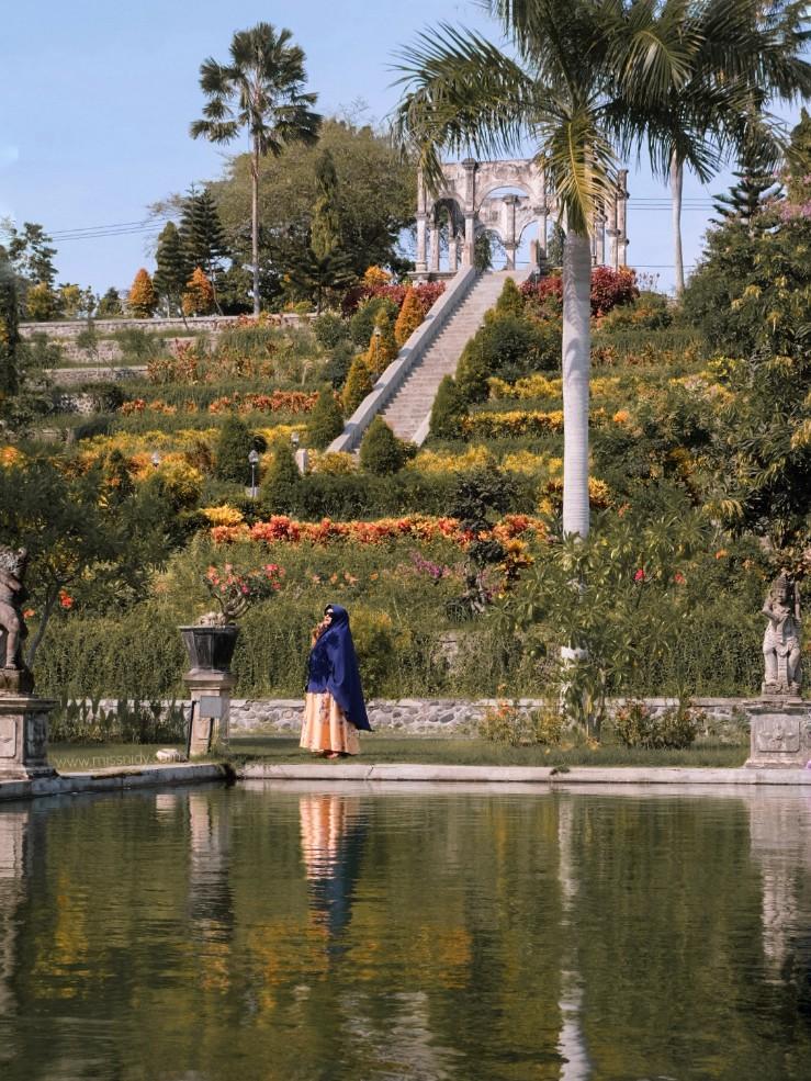 photoshoot prewedding di taman ujung karangasem bali