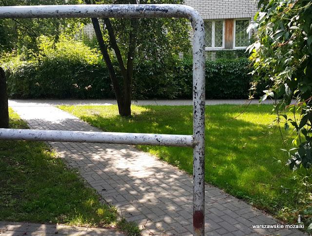 trzepak Warszawa Warsaw Żoliborz osiedle Skibniewska sady bloki