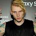 """Machine Gun Kelly divulga novo single """"The Break Up"""""""