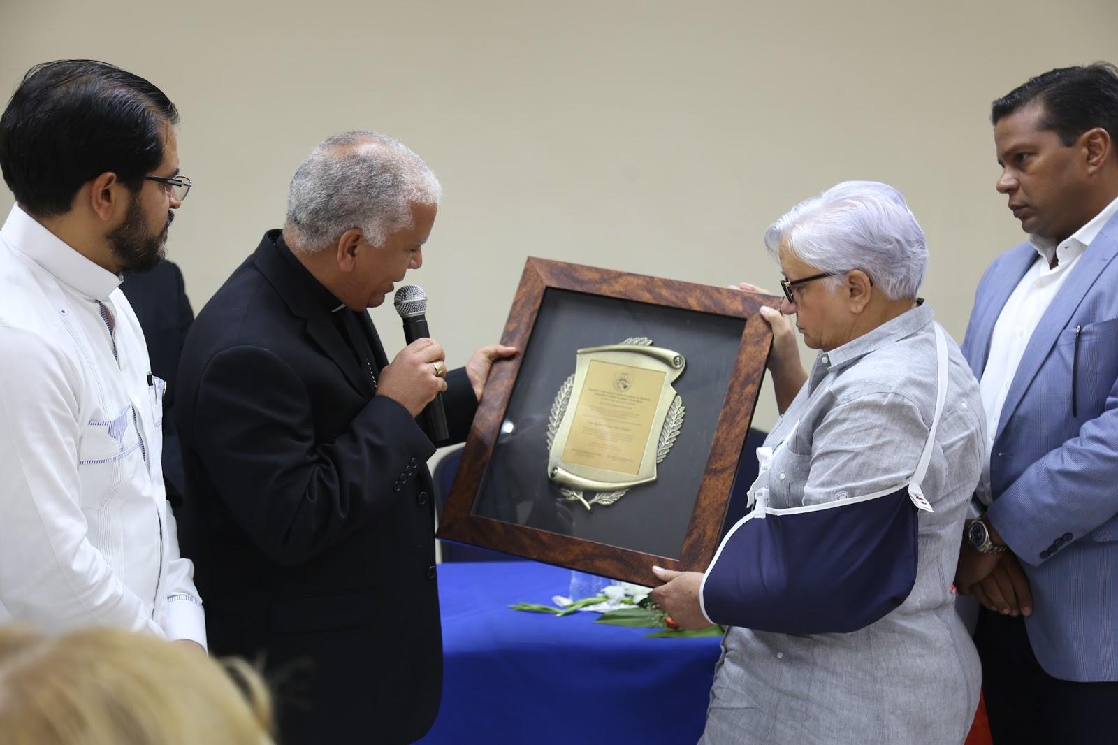 UCATEBA dedica salón al Dr. Rafael Atilano Díaz Vásquez